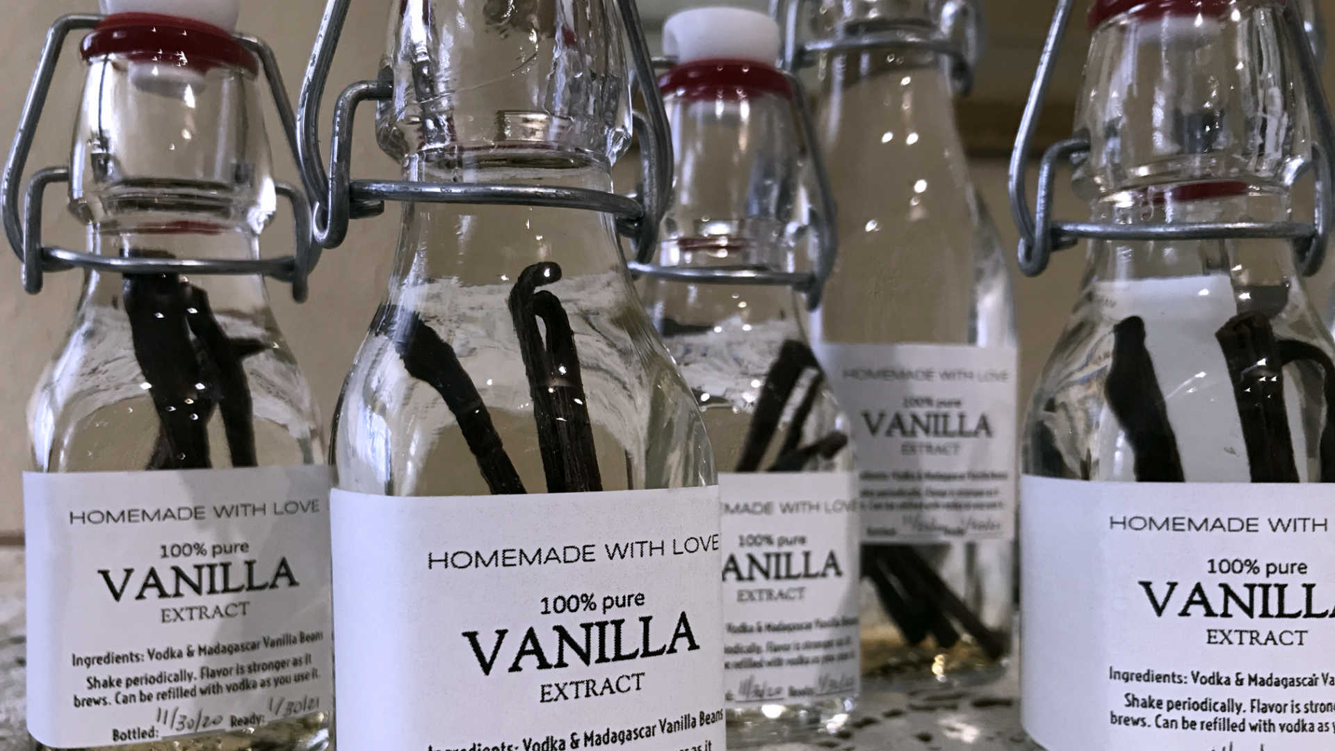 Jenni's homemade vanilla extract, complete with DIY labels and glass bottles! Neat gift idea.