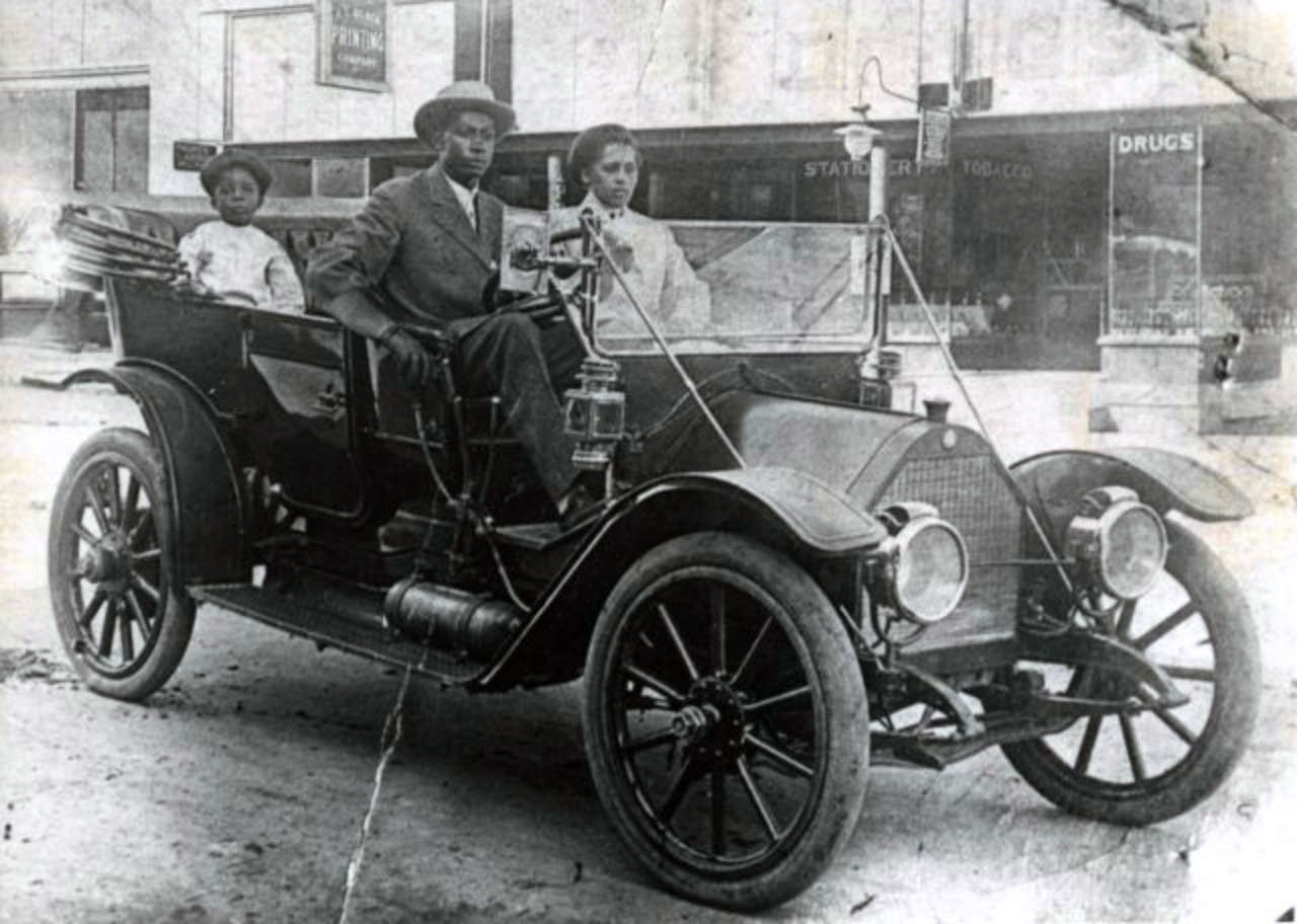 Williams Family in their 1911 Norwalk. [Image source: Tulsa Historical Society]