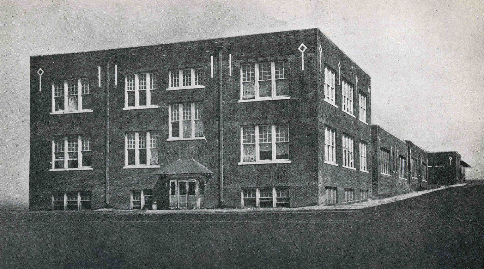 Booker T. Washington High School in the Greenwood District, 1920 [Source: OHS].